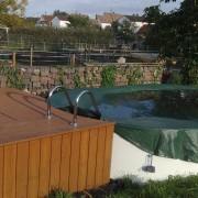 Sonnendeck aus Douglasie am Pool
